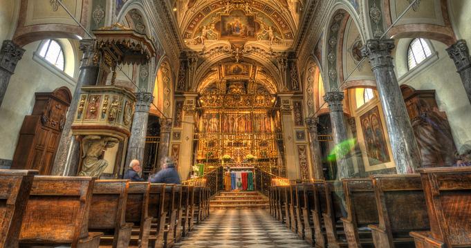 L'interno del Santuario della Madonna delle Grazie di Ardesio. Immagine © Alberto Bigoni
