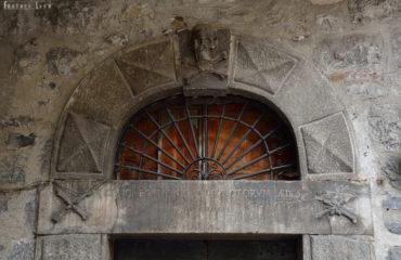 viviardesio Palazzo Vescovile portale Danza Macabra