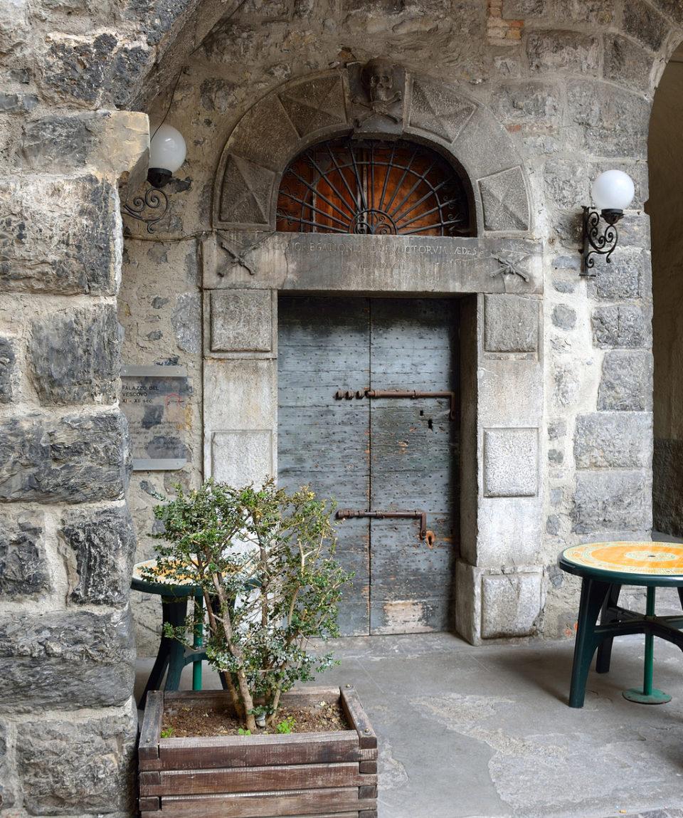 viviardesio ardesio percorso storico centro storico piazza luca festari